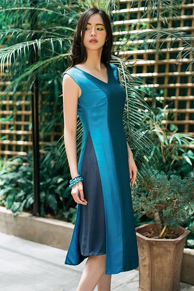 Đầm tơ tằm phối 3 màu xanh