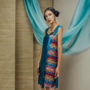 Váy lụa tơ tằm xanh ghi pha dọc hoa cúc
