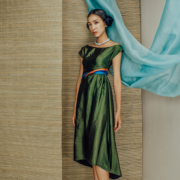 Váy lụa tơ tằm xanh lục thủy